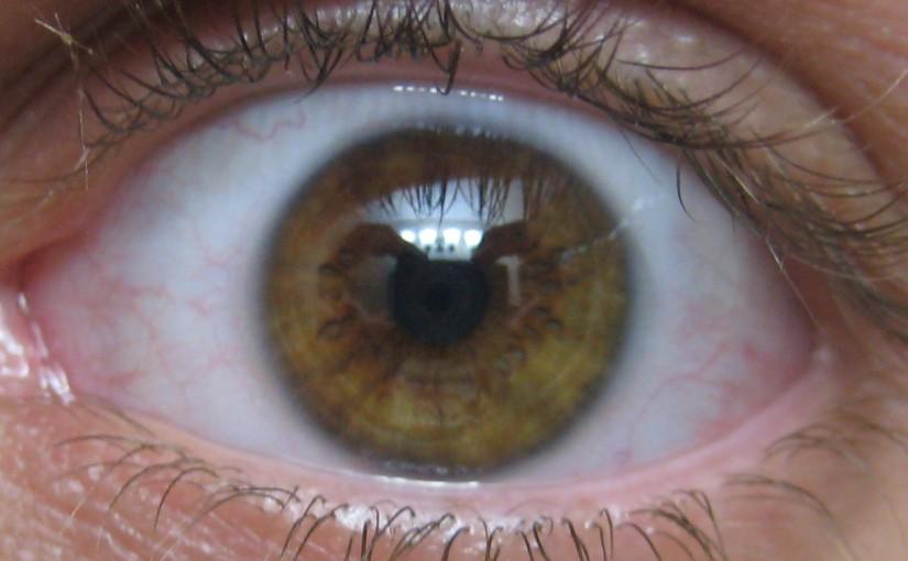 A kontaktlencse színes változatban is beszerezhető