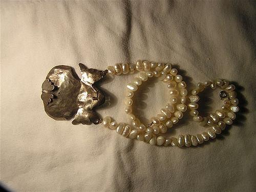 Manapság divatos a gyöngy nyaklánc