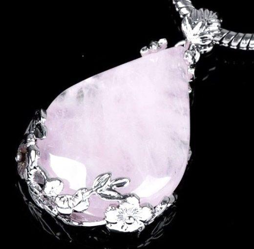 Rózsakvarc nyaklánc a szeretet kövével